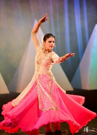 Adorning with Pride, An ode to our warriors by the Kathak exponent  Sanchita Abrol