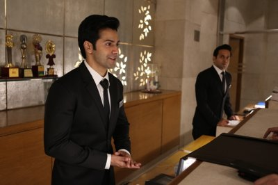 Varun Dhawan makes way to a hotel career!